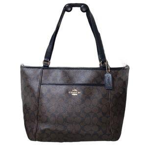 Coach Peyton Pocket Signature Shoulder Bag